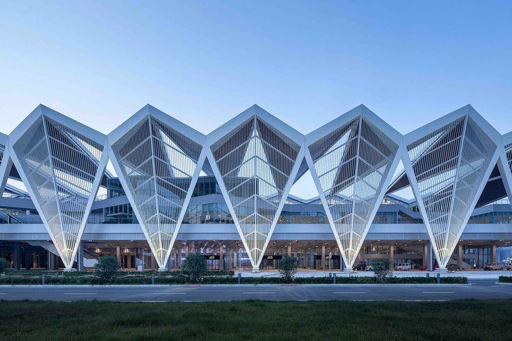 Gallery of Qingdao Cruise Terminal / CCDI - Mozhao Studio & Jing Studio - 1