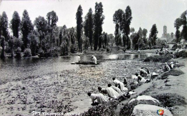 Tipos Mexicanos Lavanderas de Xochimilco por el fotografo HUGO BREHME ( 1920-1940)