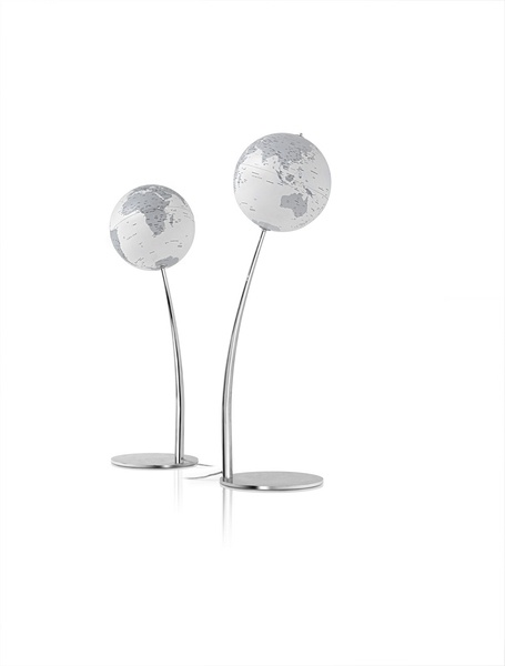 "Mappemonde lumineuse - Globe géographique design ""Stem reflection"" http://deco-maison-fr.com/article/1090/mappemonde-lumineuse-globe-geographique-design-stem-reflection#"