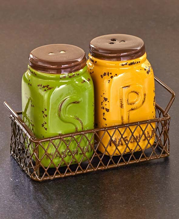 The Mason Jar Country Kitchen Collection oozes with down-home country style. Each piece is unique, useful and looks great on any countertop. The Measuring Cups Set has 4 different size cups that stack