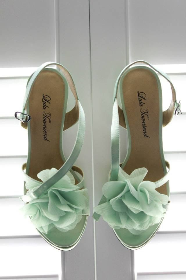 The Fashion Files!: Mint Shoes!!!
