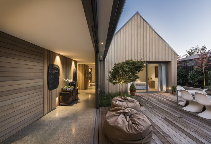 Image 1 of 39 from gallery of Christchurch House  / Case Ornsby Design Pty Ltd. Photograph by Stephen Goodenough