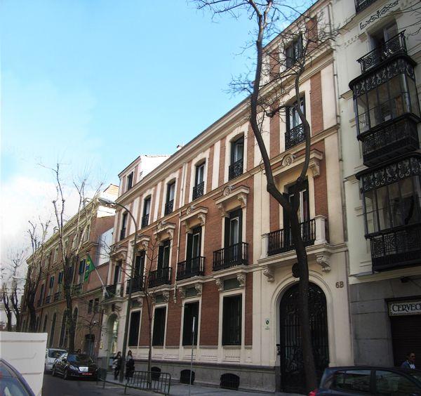 Palacetes de Madrid: PALACIO DE JOAQUÍN SÁNCHEZ- C/Fernando el Santo, 6.  Arturo Calvo, 1881. Reformado por Joaquín Saldaña, 1910.  Actual embajada de Brasil.