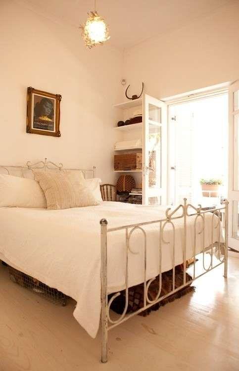 Regole per arredare casa - Camera da letto chiara