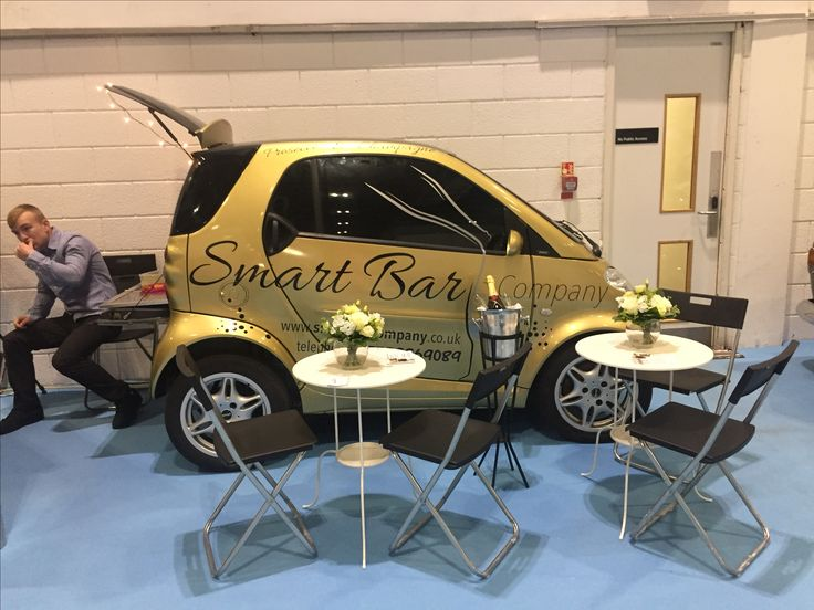 Smart Bar Company at The wedding Fair London Excel. Prosecco champagne and mobile bar