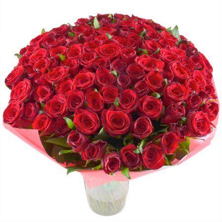 """Букет """"Обольщение 101 роза"""". Роскошный букет из 101 красной розы - именно тот долгожданный подарок, о котором мечтает каждая девушка! Даже одна алая роза способна зажечь искру между мужчиной и женщиной. Какие же грани отношений сумеет раскрыть этот шикарный букет! Проверьте это — отправьте возлюбленной или девушке, которую вы только мечтаете покорить, эти великолепные цветы."""