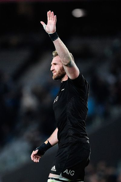 Kieran Read Photos Photos - Kieran Read of the All Blacks thanks the crowd after winning the Bledisloe Cup Rugby Championship match between the New Zealand All Blacks and the Australia Wallabies at Eden Park on October 22, 2016 in Auckland, New Zealand. - New Zealand v Australia