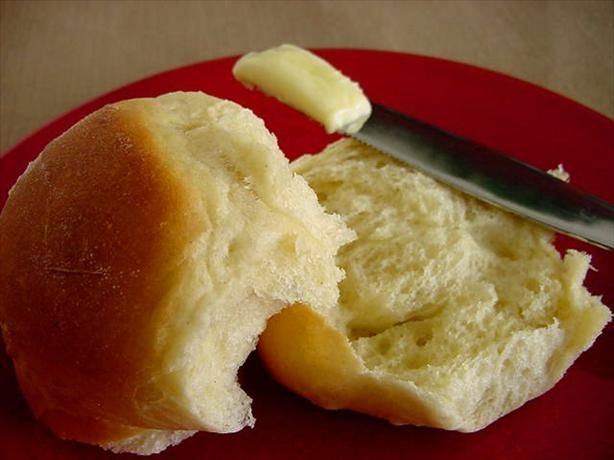 5-STAR - Easy Dinner Rolls:  Even the beginner cook can make these. And they're true home-made rolls. They must chill 2 hours. Or you can make them up 3 days in advance.