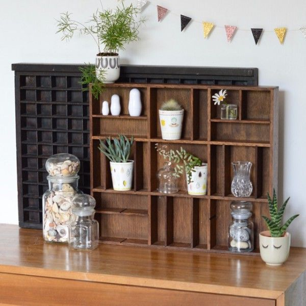 tag re casier bois fonc vintage deco vintage pinterest etagere casier. Black Bedroom Furniture Sets. Home Design Ideas