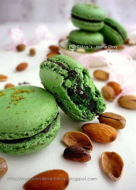 Citra's Home Diary: Pistachio Macarons recipe, Step by Step and Tips