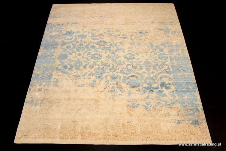 Ekskluzywny dywan designerski z kolekcji Onyx.  Ręcznie utkany z wełny owiec wysokogórskich (highland wool)  i jedwabiu. http://www.sarmatiatrading.pl/sklep/dywany-nowoczesne/heavently-onyx-collection/
