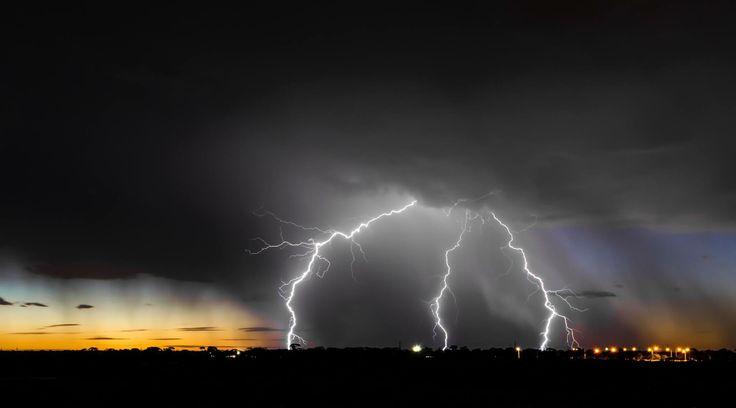 Lightning show in Kalgoorlie, Western Australia