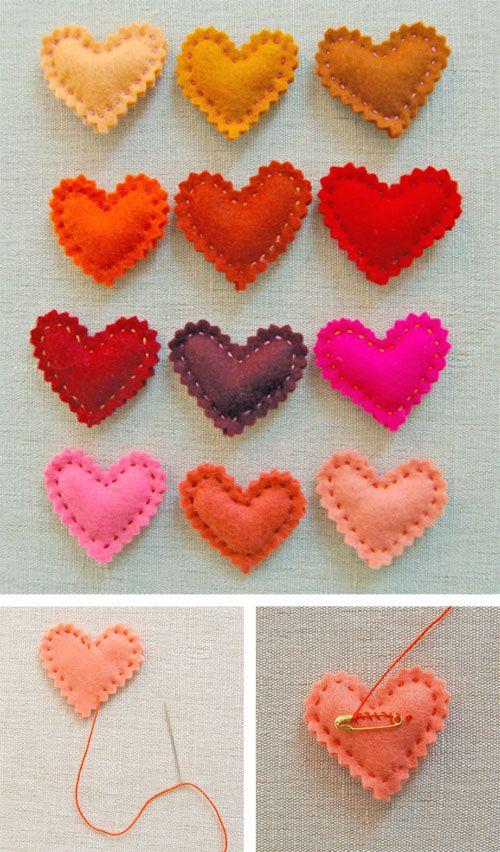 Mini broches en feutrine à offrir à toutes tes amies pour la Saint Valentin. Ben oui, elles aussi tu les aimes, non ? - Cute DIY valentine pin...fun accessory!