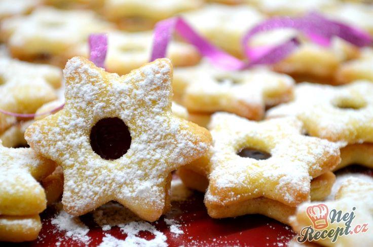 Zkoušela jsem nový recept na vánoční cukroví z másla. Musím říci, že název dokonale sedí s výsledkem, jsou opravdu měkké a křehké. S těstem se pracuje luxusně, dělala jsem jen z třetinové dávky, zda jsou opravdu tak dobré. Na Vánoce je budu dělat z celé a různé tvary, musím si nakoupit formičky. Autor: Lacusin