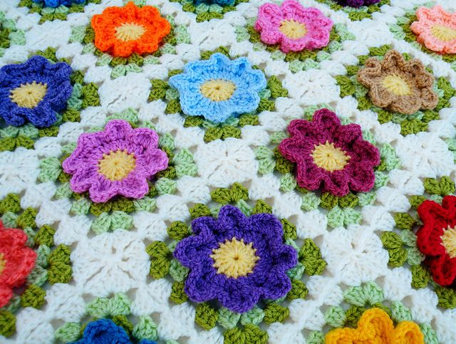 Free Crochet Pattern Rose Field : 343 best images about Afghans 2 on Pinterest Free ...