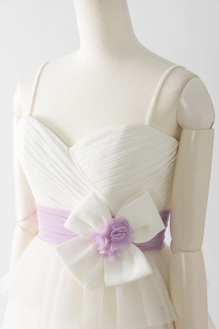 Sale, Instock Bridesmaid Dresses. Ivory, Beige Multi Color Floor Length & Knee Length Satin Dress. #ブライズメイドドレス #ブライズメイド 合計金額 ¥20,000-(税抜)以上で送料無料即日納品 セール商品の返品受付サービス・お直しについて  軽やかなチュールの雰囲気が印象的な膝丈ドレス 高い位置でマークされたラベンダー色のサッシュとリボンが可愛らしく、動きやすいカジュアルなデザインで1.5次会や二次会用のミニウエディングドレスとしてもオススメです 定価26,700円の60%オフにて限定販売です  販売ドレスカラー: アイボリー(画像色)サイズ0 ドレス実寸サイズ-バスト84cm/ウエスト63cm/ヒップ90cm/着丈(脇から裾まで)80cm  【セールドレス色別タグ】 #アイボリー・ベージュ系  #赤・ピンク系  #ブルー・パープル・グリーン系  #イエロー・コーラル系  #ブラック・ネイビー系