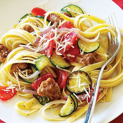Italian Sausage and Zucchini PastaZucchini Recipe, Foodies Teas, Italian Sausage, Italian Food, Pasta Dinner, Loss Recipe, Healthy Food, Delicious Food, Zucchini Pasta Recipe
