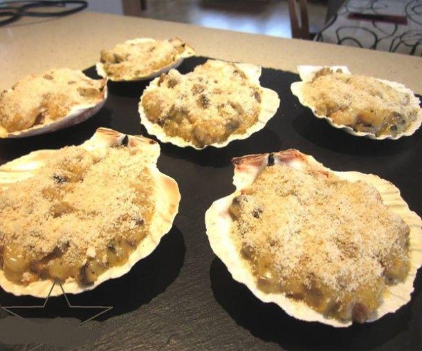 Pour passer un bon Plats, nous vous proposons une recette de Coquilles Saint Jacques gratinées . recette de cuisine, facile et rapide, par Les gourmands mediterraneens