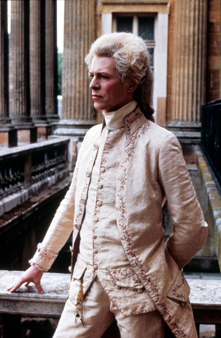 Rococo Bowie. David Bowie in a justaucorps and breeches?? Be still, my heart!