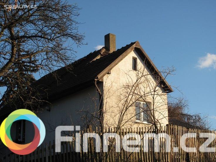 Rodinný dům 130 m² k prodeji Za školou, Praha 9 - Kyje; 4690000 Kč (včetně provize), výtah, patrový, samostatný, cihlová stavba, velmi dobrý.