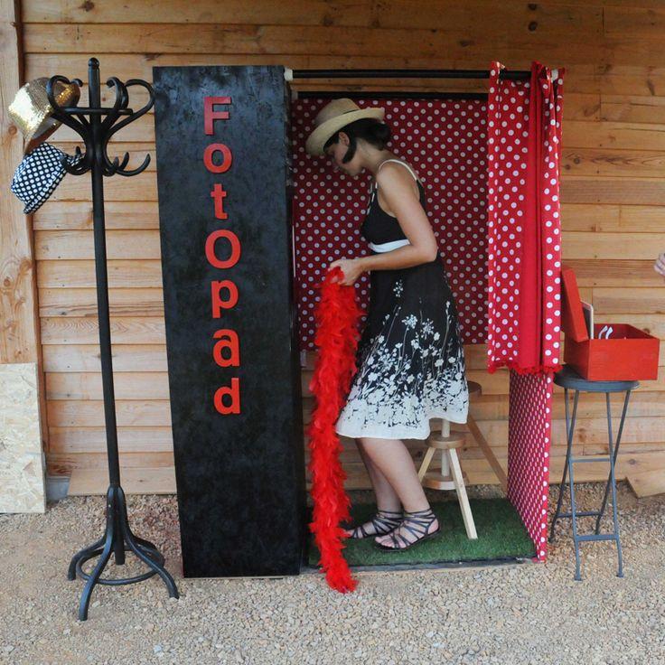 idée: création d'une cabine photo... mais BEAUCOUP de boulot et 150/200€ de budget