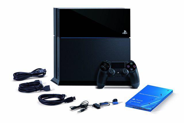 """Em comunicado oficial da Sony, foi revelado o preço do PlayStation 4 (modelo CUH-1000A). Aqui, o console sairá por R$ 3.999, o que equivale a R$ 1.800 a mais que o valor do Xbox One (R$ 2.200). O preço sugerido dos jogos para o console será R$ 179. Onde? """"Nas principais lojas do Brasil a partir do d"""