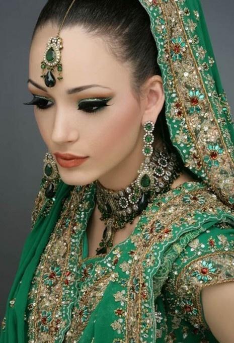 UK Cosmetics www.pinterest.com/ukbeautystores/