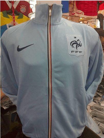 jaket timnas perancis biru muda  untuk pemesanan sms di 085645452236