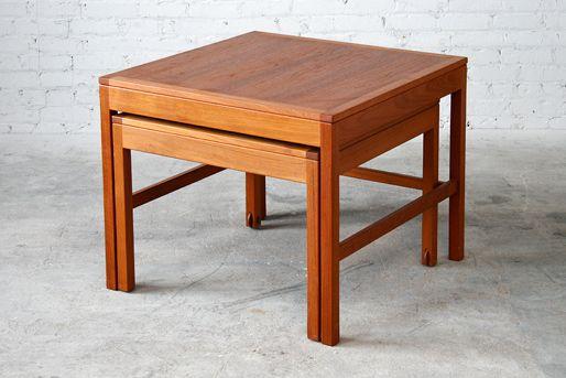 Juego de mesa de madera de teca.