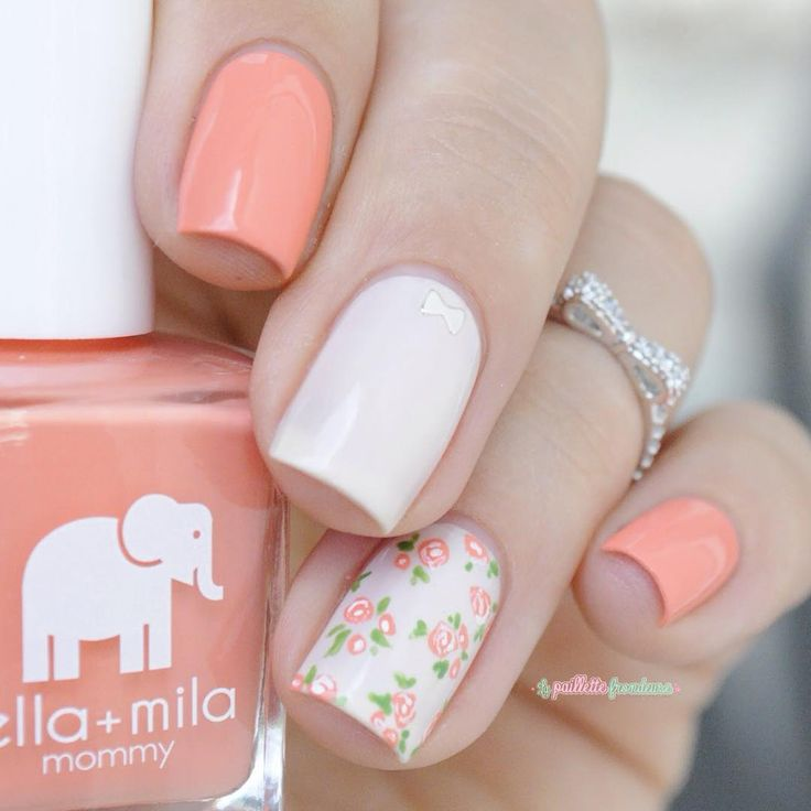"""Un peu de douceur ce matin avec des petites fleurs et des nœuds .... Using #ellamila sunkissed and pretty in pink available @color4nails Bow ring…"""