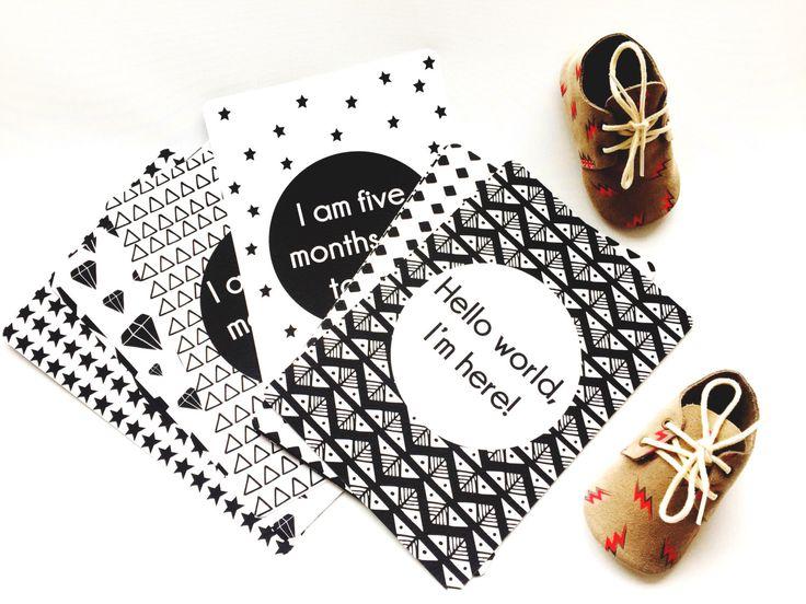 Baby Milestone Cards // Baby, Baby gift, Milestone Card, Baby Milestone, Milestone, Black and White, Monochrome, Newborn, Baby Shower by TheNativeState on Etsy https://www.etsy.com/uk/listing/286712717/baby-milestone-cards-baby-baby-gift