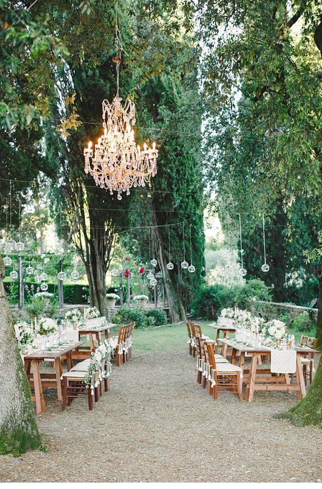 Wundervolle Location zum heiraten und feiern. Tolle Idee und sehr schön umgesetzt.  tuscan wedding, photo by Amanda K Photography