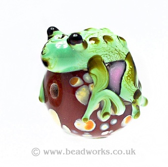 Where would you use this lamp bead with frog?  http://www.beadworks.co.uk/Catalogue/Lampwork-decorated-Beads/Lampwork-Glass-Beads/Flowers-Creatures/Lamp-Bead-with-Frog