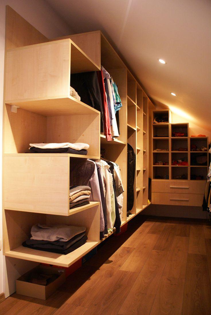 În locul clasicului dulap, un dressing oferă mai mult spaţiu de depozitat!