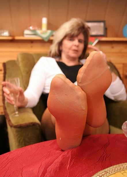 Mature nylon feet and soles