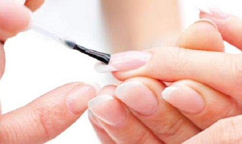 Here are 8 tricks to nourish and protect your nails.