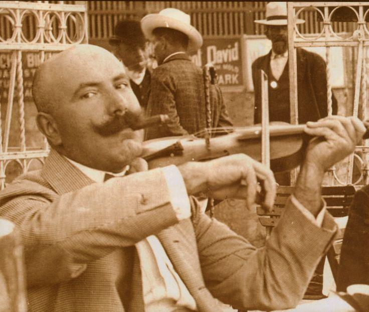 #Vintage #Toscano #Cigar #Aficionados: violin player #cigars #cigaraficionado