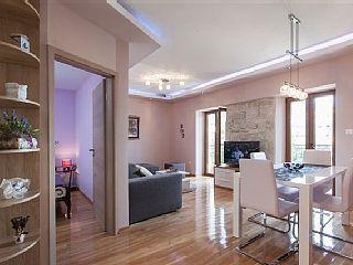 Appartamento di lusso nel centro storico di Makarska - 50 m dalla spiaggia !!!Case vacanze in Makarska da @homeawayitalia