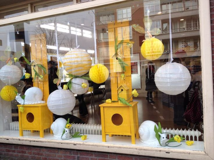 Spring/lente etalage/windowdisplay at Schinkel apotheek/pharmacy Amsterdam