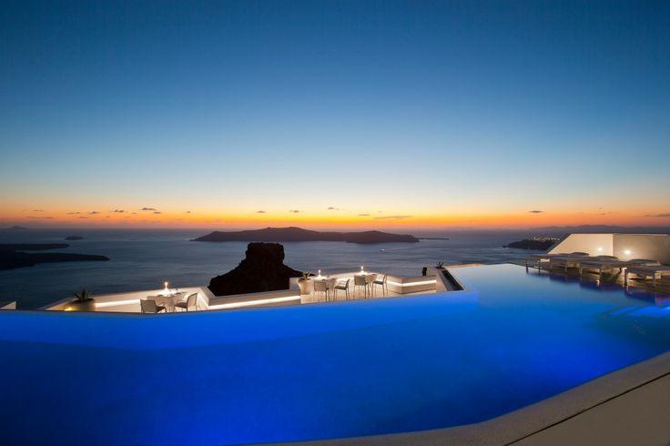 Grace Santorini: A Pool, A Sunset & Paradise