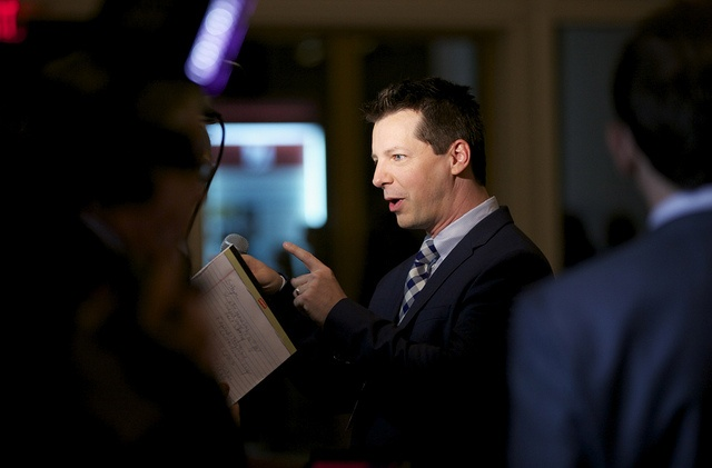 Actor/comedian Sean Hayes talks to the cameras on the red carpet.  (Credit: Scott Suchman)