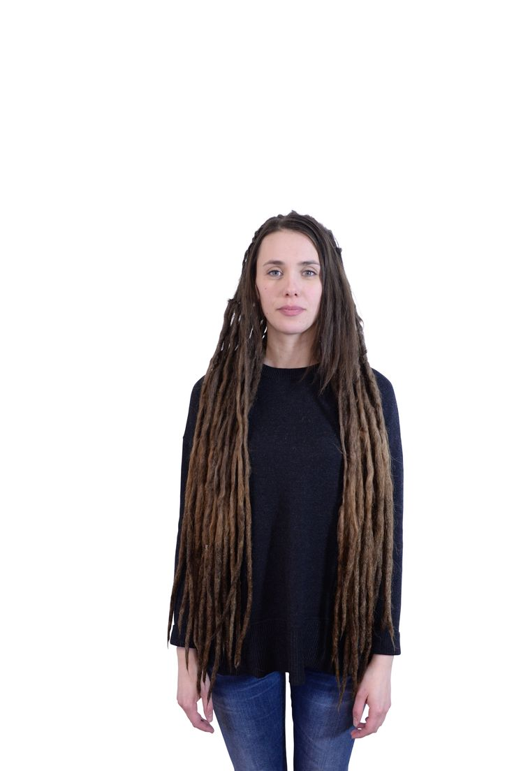 This is Carina from Borlänge, about every three/ four months she comes to me to get her dreadlocks maintaned and has been doing so for years and years now. I remember when her dreads were new. It's so amazing to be able to follow all my clients on their dreadlock journey.
