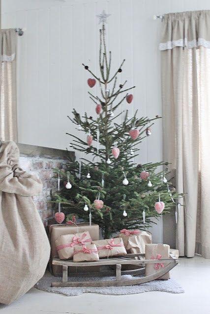 Underbar julgran! # Sleigh, kälke, jul, christmas, christmas tree, lantligt, country home style