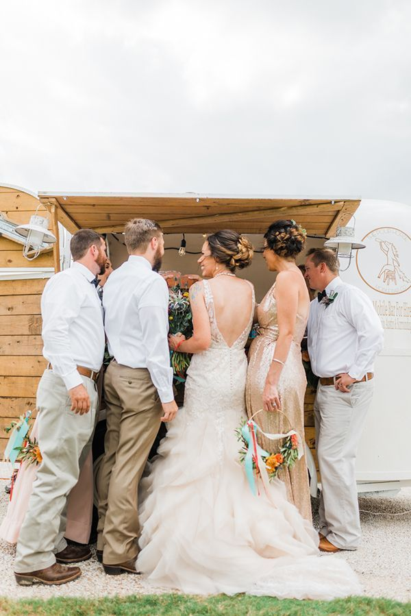 Non Traditional Wedding Ideas | 9 Non Traditional Wedding Ideas To Steal Wedding Moments