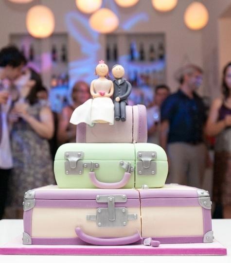 Luggage wedding cake.  Nunta - tema: calatorii. Tort valize.