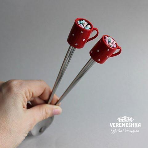 Ложечка латте Чашечка какао с маршмелоу☕Одна есть в наличии 140грн. #вкусныеложечки #вкуснаяложечка #marshmallow #маршмелоу #чаинаяложка #чашкакофе #kakao #капкейки #капкейк #кофе #полимерная_глина #полимернаяглина #polymerclay #capcake #spoon #spoons #veremeshka #latte #arcillapolimerica #cup #realisticart #marshmallow