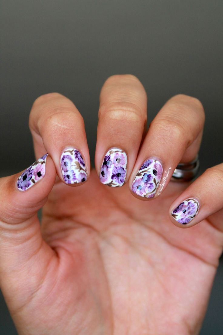 Recreation of a mani by Instagram nail artist @missbellatracey
