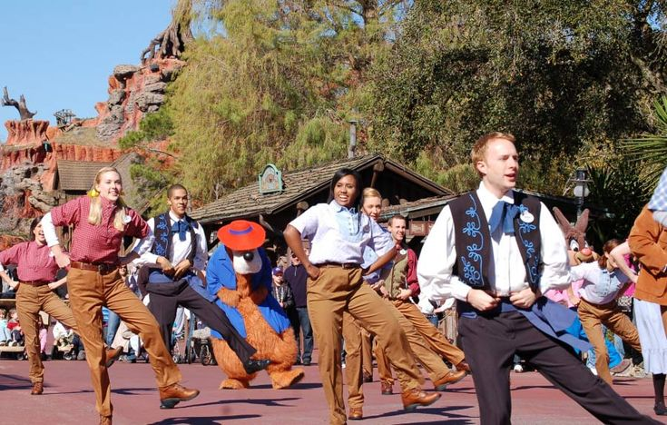 western hoedown party ideas | hoe down party – blog archive frontierland hoedown happening at ...