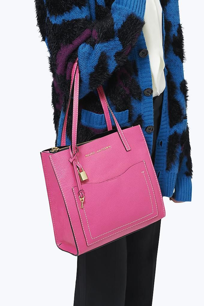 a583bb591e54 The Medium Grind T Pocket Tote - Peony | MARC JACOBS BAGS FALL 2018 ...