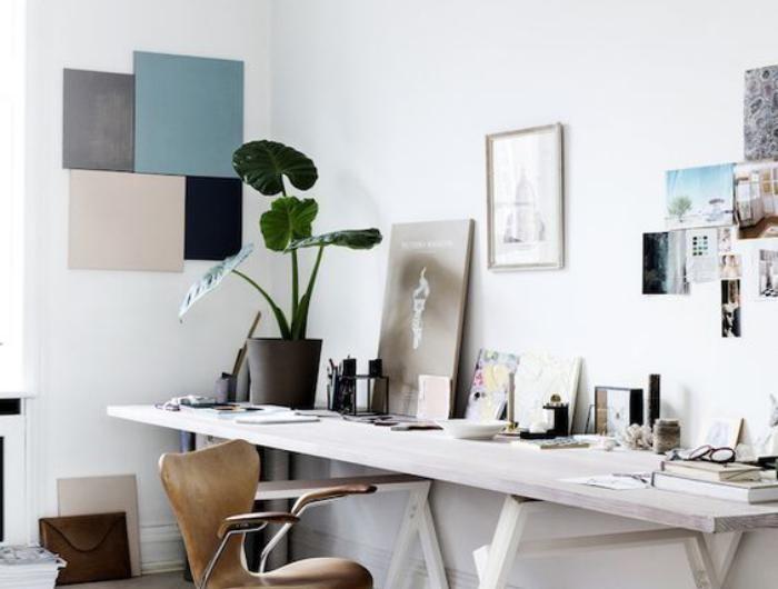 bureau-style-scandinave-chaise-en-cuir-marron
